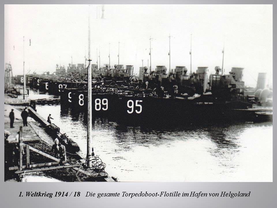 Helgoland: Torpedoboot-Flotille im Hafen