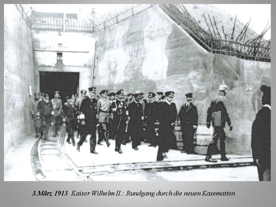 Kaiser Wilhelm II. besucht auf Helgoland Kasematten des Militärs